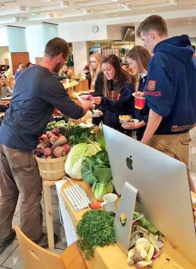 At Queens, training freshmen to eat vegetables